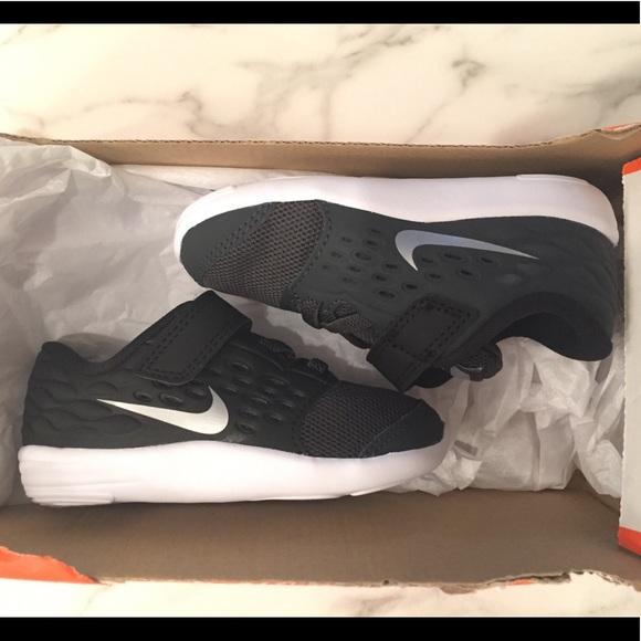 bf143016e12 Nike Stelos 6c Toddler Baby Boy Girl Velcro Black